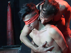 Naked young sub gets eyes covered at the dungeon