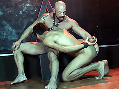 Youthful manacled gimp rails a boner for a facial cumshot